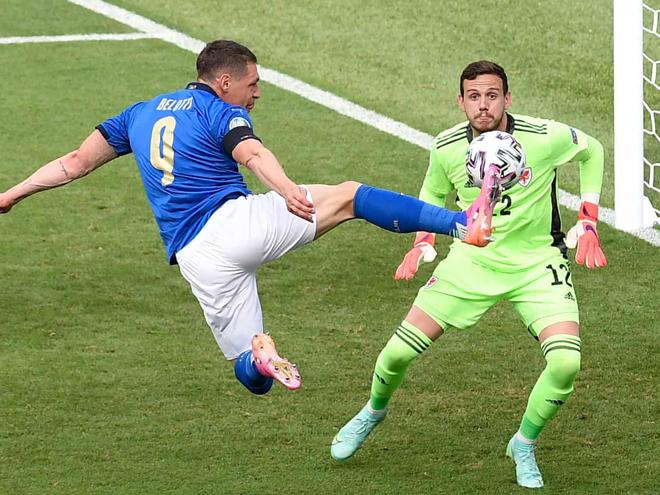 Video ĐT Italia - ĐT xứ Wales: Thẻ đỏ bất ngờ, Gareth Bale lại gây sốc (EURO) - 1