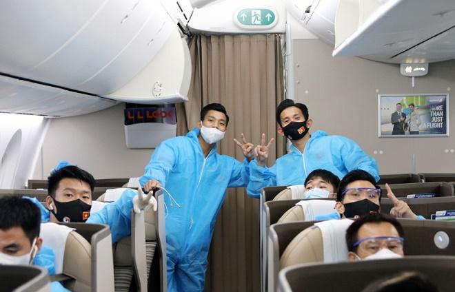 Nóng trong tuần: Đã có kết quả xét nghiệm SARS-CoV-2 với tất cả thành viên đội tuyển Việt Nam - 1
