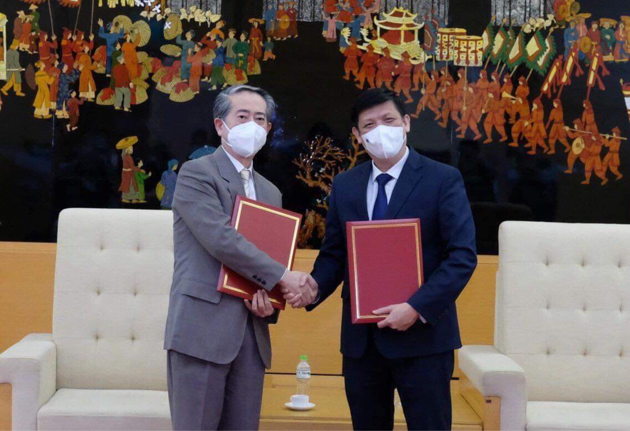 Việt Nam chính thức tiếp nhận 500.000 liều vắc-xin Vero-Cell - 1