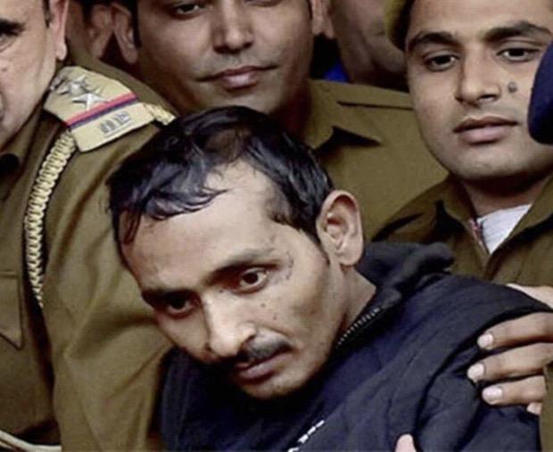 Ấn Độ: Chuyện kẻ cưỡng hiếp bị 200 phụ nữ cầm dao đâm chết ngay tại tòa - 1