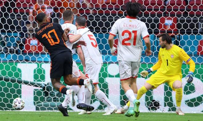 """Video Bắc Macedonia - Hà Lan: Cú đúp chóng vánh, xứng danh """"Cơn lốc màu da cam"""" (EURO) - 1"""