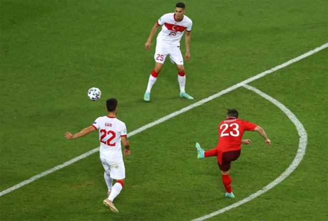 """SAO Liverpool Shaqiri, Kahveci đua nhau """"vẽ cầu vồng"""" làm bùng nổ EURO 2020 - 1"""