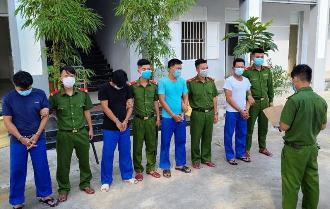 Bắt nhóm nam thanh niên trộm lan đột biến trị giá 1 tỉ đồng - 1