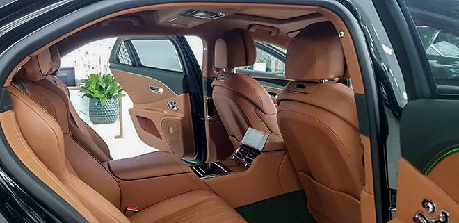 Cận cảnh mẫu xe hàng hiếm Bentley Flying Spur First Edition tại Hà Nội - 8