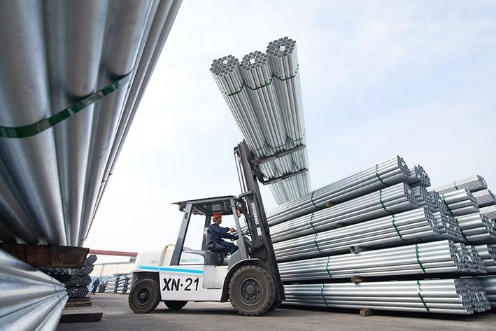 Giá thép liện tục tăng mạnh, tỷ phú thép Việt rót thêm 2.000 tỷ đồng vào công ty con - 1