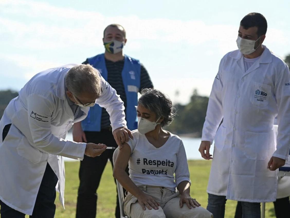 Kén chọn vaccine đẩy Brazil lún sâu trong khủng hoảng Covid-19 - 1
