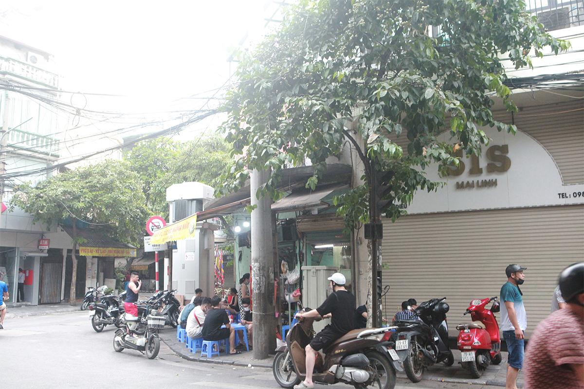 Người Hà Nội ăn phở từ 5h sáng, quán bún 9h đã hết hàng - 15