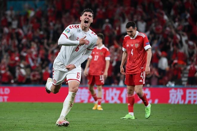 Video Nga - Đan Mạch: Đại tiệc 5 bàn, vỡ òa đoạt vé đi tiếp (EURO) - 1