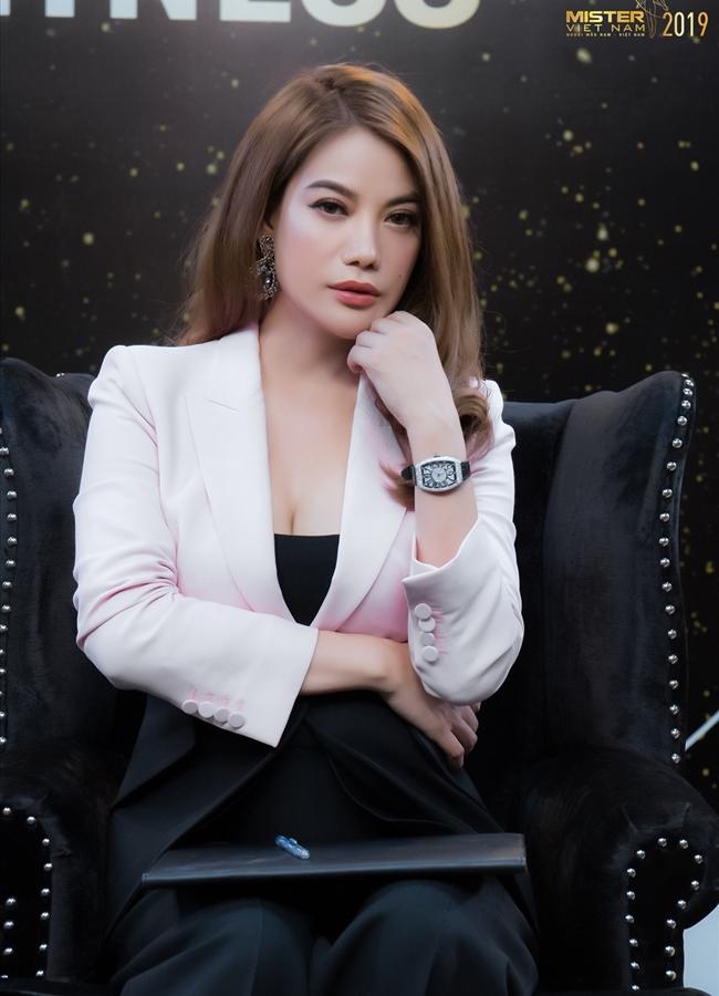 Ngoài ra, Trương Ngọc Ánh còn đảm nhận vai trò host của một loạt cuộc thi sắc đẹp đình đám như: 'Liên hoan phim châu Á – Thái Bình Dương lần thứ 58 tại Đài Loan', 'Mister Việt Nam 2019',...