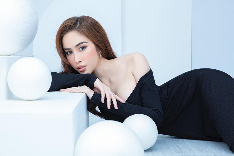 Hoa hậu quê Bạc Liêu khoe body nóng bỏng - 8