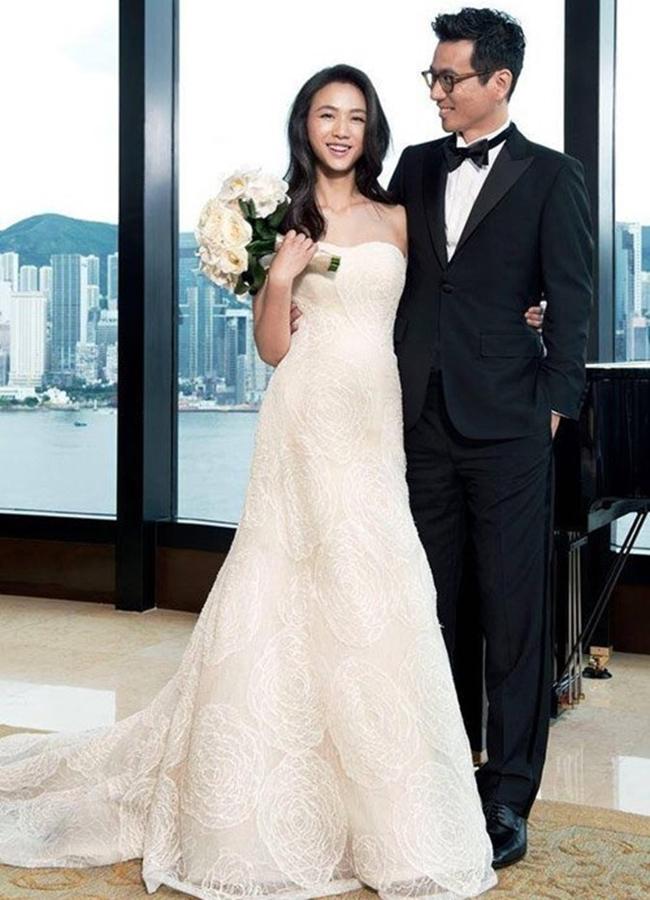 Từng lo lắng sẽ không có ai yêu mình vì những cảnh nóng trong 'Sắc giới', thế nhưng cô sớmgặp được định mệnh của đời mình khi tham gia đóng 'Thu muộn' tại Hàn Quốc. Thang Duy làm việc và yêu luôn đạo diễn Kim Tae Young. Cặp đôi đã chính thức nên duyên vợ chồng vào năm 2014.