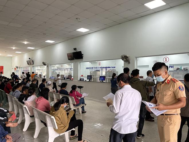 CSGT TP.HCM tạm ngừng tiếp nhận đăng ký xe mới để phòng chống Covid-19 - 4