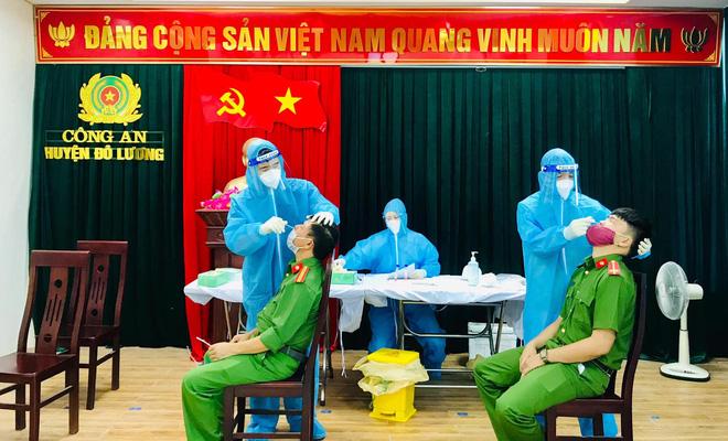 Cách ly trụ sở công an huyện ở Nghệ An vì một cán bộ mắc COVID-19 - 1
