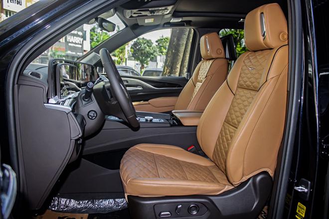 Cadillac Escalade mới trang bị động cơ V8 đầu tiên có mặt tại Việt Nam - 10