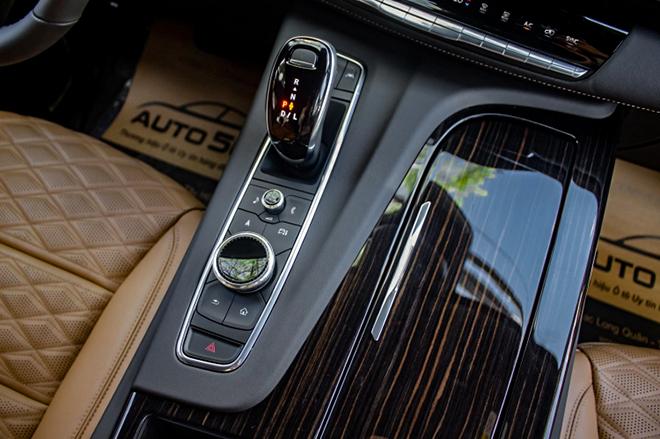 Cadillac Escalade mới trang bị động cơ V8 đầu tiên có mặt tại Việt Nam - 13