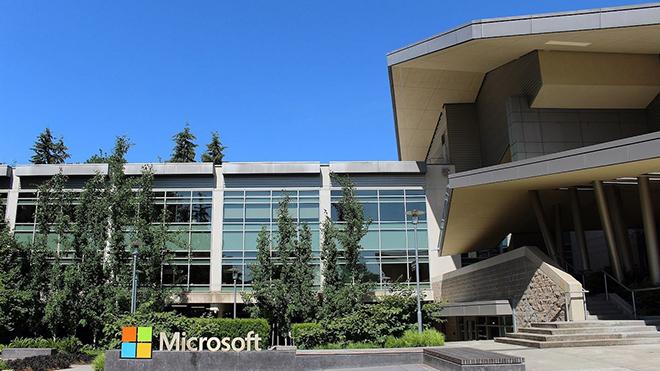 Microsoft chính thức đạt giá trị vốn hóa 2.000 tỷ USD, nhưng vẫn theo sau Apple - 1