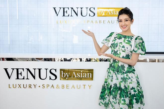Một ngày làm đẹp của Á hậu Huyền My tại Venus by Asian - 1