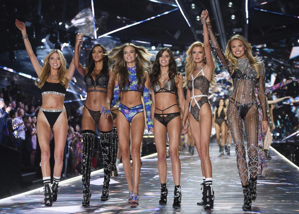 Những thiên thần Victoria's Secret giờ chỉ còn là quá khứ - 1