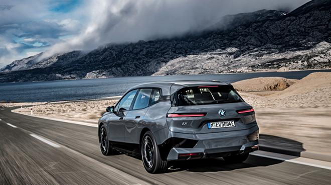 Ô tô điện BMW iX mở bán chính hãng, giá cao hơn 4 tỷ đồng - 5
