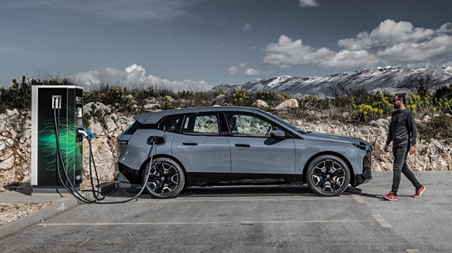 Ô tô điện BMW iX mở bán chính hãng, giá cao hơn 4 tỷ đồng - 8
