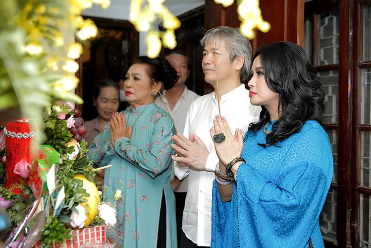 Diva Thanh Lam làm lễ dạm ngõ với bạn trai bác sĩ kém tuổi - 1