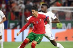 Video Bồ Đào Nha - Pháp: Đỉnh cao Ronaldo - Benzema, điên rồ 3 quả phạt đền (EURO)