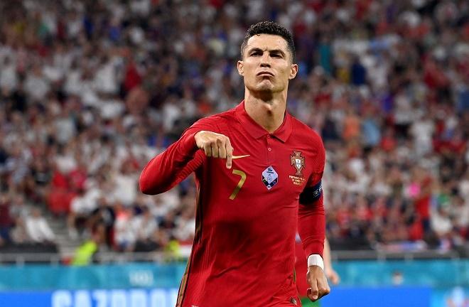 Kịch tính đua Vua phá lưới EURO: Ronaldo bứt phá, Lewandowski hết cửa - 1