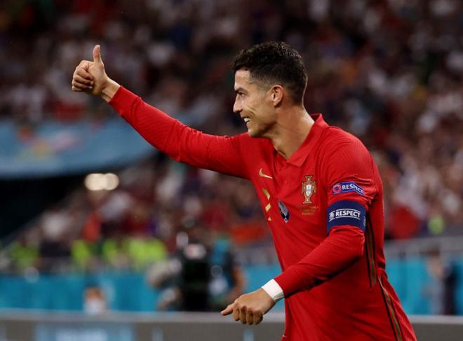 Ngôi sao sáng nhất vòng bảng EURO 2020: Ronaldo hay ai thống trị quần hùng? - 1