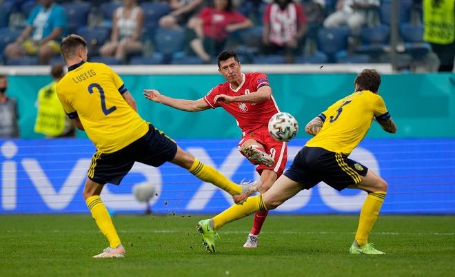 Video Thụy Điển - Ba Lan: Cú đúp Lewandowski, gục ngã phút bù giờ (EURO) - 1