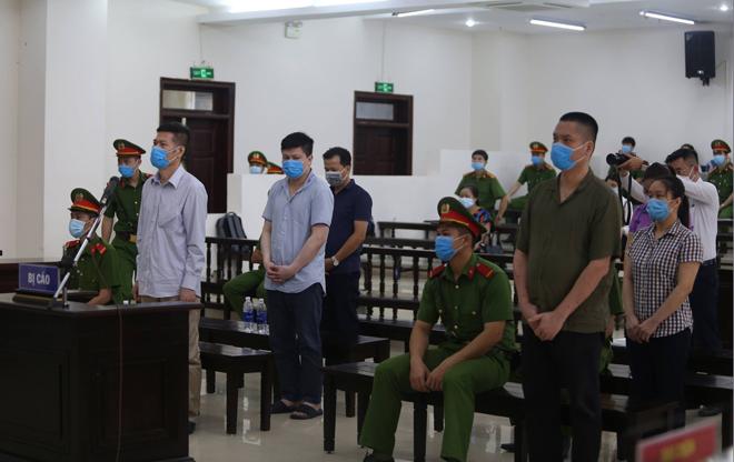 Vụ nâng khống giá máy xét nghiệm COVID-19: Cựu Giám đốc CDC Hà Nội không được giảm án - 1