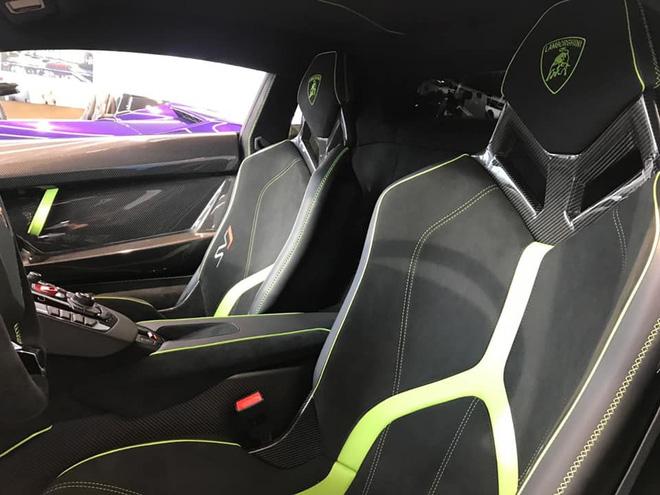 Đại gia lan đột biến tậu Lamborghini Aventador SVJ màu độc nhất Việt Nam - 7