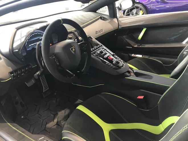 Đại gia lan đột biến tậu Lamborghini Aventador SVJ màu độc nhất Việt Nam - 6