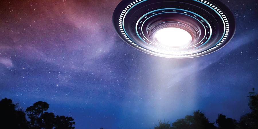 Mỹ công bố thông tin hơn 140 lần chạm trán UFO, không loại trừ người ngoài hành tinh - 1