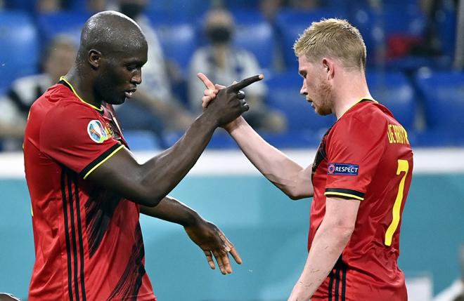 """De Bruyne ngầm dụ dỗ Lukaku về Man City, chờ """"bom tấn"""" rung chuyển Manchester - 1"""