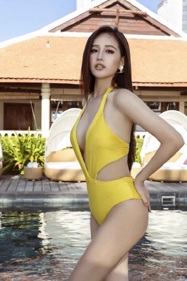 Mai Phương Thúy được biết đến là mỹ nhân hàng đầu của showbiz Việt. Cựu Hoa hậu Việt Nam khiến nhiều người ngưỡng mộ bởi chiều cao lý tưởng 1m79 cùng đôi chân dài nuột nà.