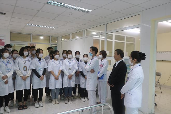 """Trường Cao đẳng Y Hà Nội đào tạo với phương châm """"Thực học – Thực hành – Thực nghiệp"""" - 1"""