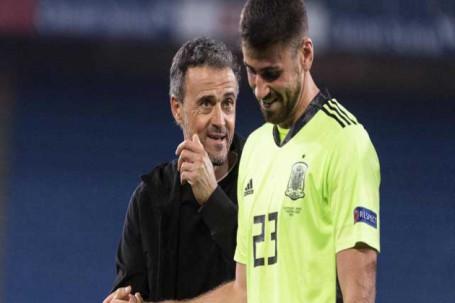 Thủ môn TBN mắc sai lầm ngớ ngẩn nhất EURO, De Gea chờ cơ hội ở tứ kết