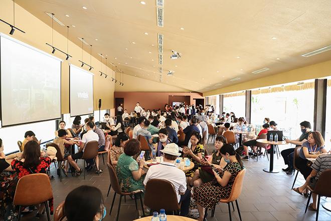Khu trải nghiệm Apec Mandala Sky Villas Kim Bôi chính thức mở cửa thu hút hàng trăm khách hàng - 1