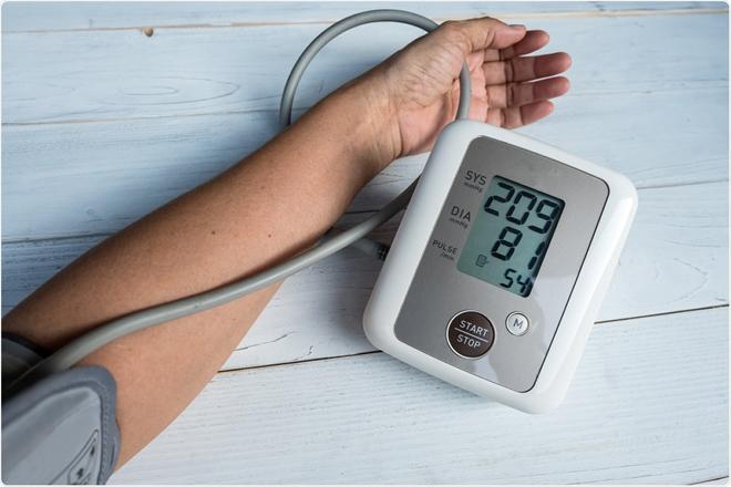 Kiểm soát tăng huyết áp tại nhà với biện pháp từ thảo dược cực đơn giản này - 1