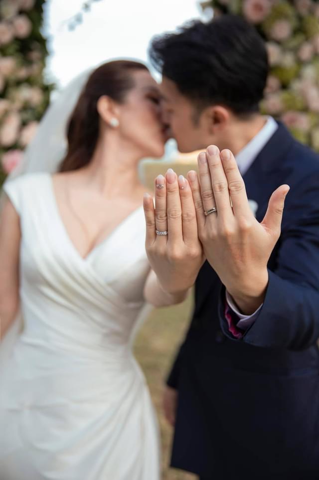 Từng ký hợp đồng hôn nhân triệu USD, Hoa hậu Thu Hoài bất ngờ kết hôn với bạn trai kém 10 tuổi - 1
