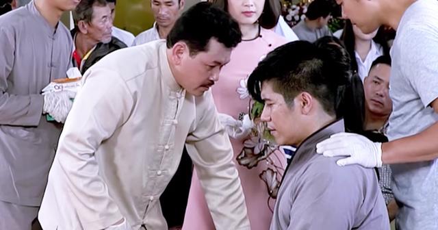 """Sự thật nam diễn viên giả mù để ông Võ Hoàng Yên chữa bệnh """"gây bão"""" mạng - 1"""
