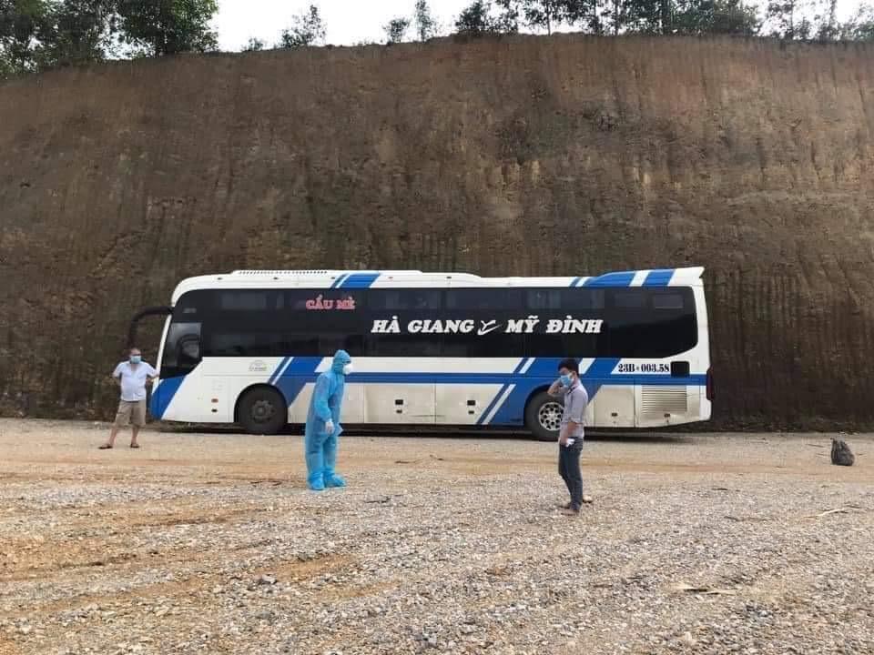 Bệnh nhân F0 trèo tường trốn khỏi khu điều trị, đi xe khách tuyến Mỹ Đình-Hà Giang