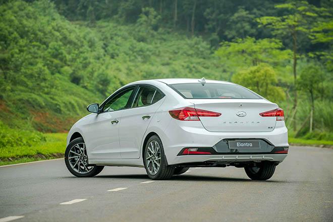 Giá xe Hyundai Elantra lăn bánh tháng 7/2021, từ 580 triệu đồng - 5