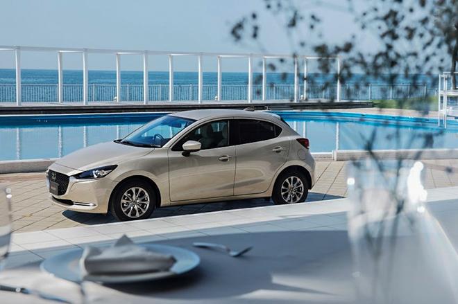 Mazda 2 bản nâng cấp ra mắt, giá bán từ 406 triệu đồng - 1
