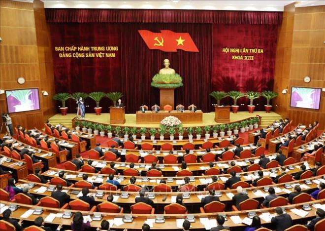 Trung ương Đảng cách chức Bí thư Tỉnh uỷ Bình Dương Trần Văn Nam - 1