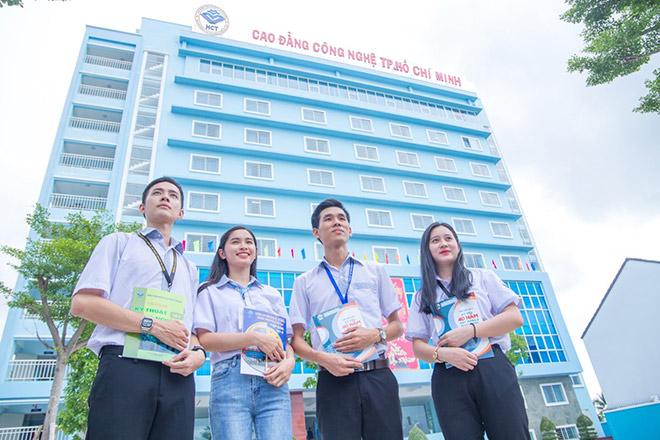 Cơ hội học tiếp cho học sinh tốt nghiệp THCS - 1