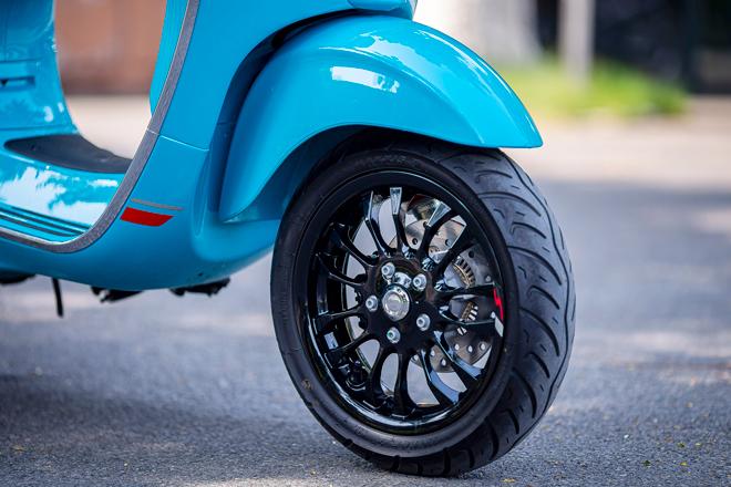 """So sánh Vespa Sprint với Honda Sh150i: """"Kẻ tám lạng, người nửa cân"""" - 8"""