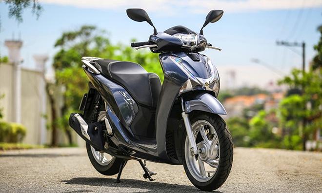 """So sánh Vespa Sprint với Honda Sh150i: """"Kẻ tám lạng, người nửa cân"""" - 2"""