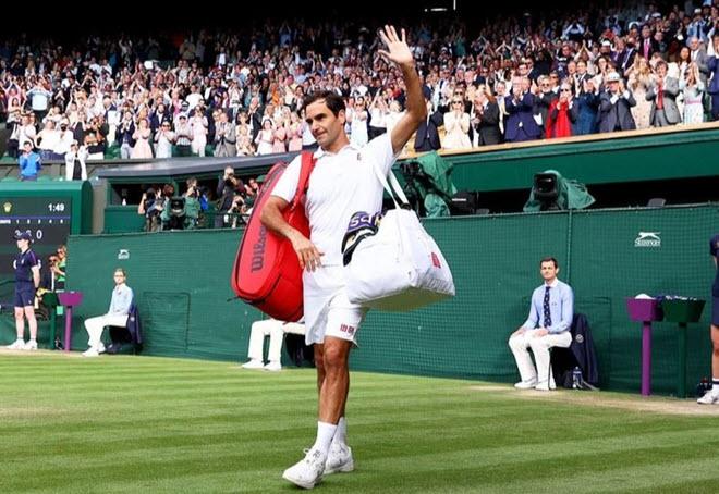 Federere chia tay Wimbledon bằng set thua 0-6, cân nhắc có nên giải nghệ - 1