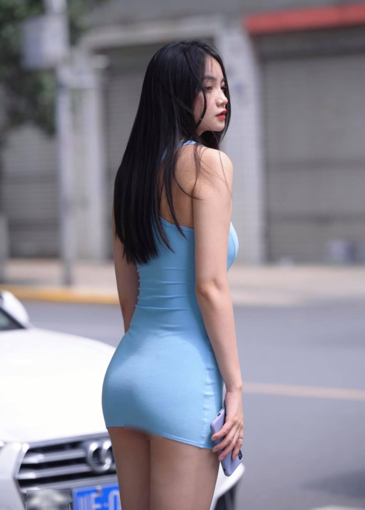"""Mỹ nhân mặt xinh, dáng chuẩn này nổi nhất phố vì """"váy Quỳnh Búp Bê"""" - 1"""
